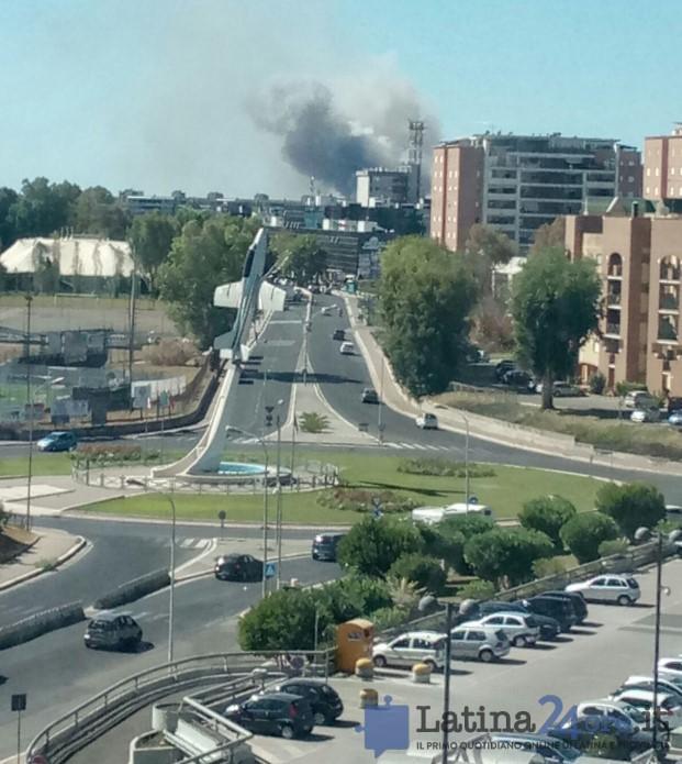 incendio-latina-latina24ore-2016