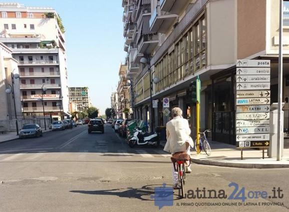 sindaco-coletta-bicicletta-latina