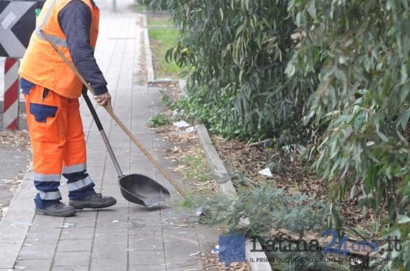 latina-pulizia-strada-latinaambiente