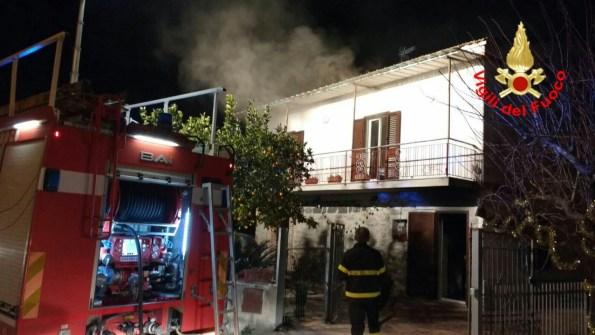 incendio-casa-abitazione-minturno