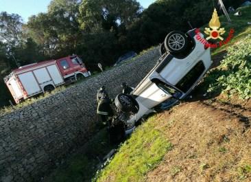 incidente-vigili-fuoco-latina-auto