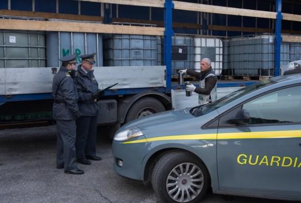 finanza-traffico-gasolio-latina