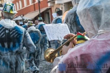 banda-latina-manifestazione
