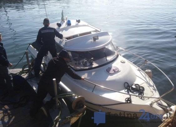 guardia-costiera-barca-terracina