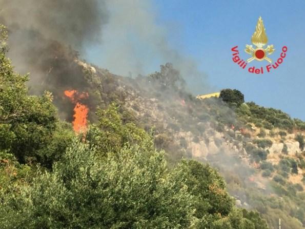incendio-norma-latina-vigili-fuoco-2
