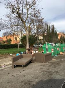 rifiuti-latina-strada-cassonetti-degrado