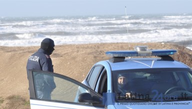 polizia-mare-lido-latina24ore