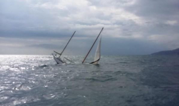 barca-affondata-gaeta-2