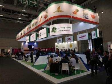 Lo stand allestito dalla Cassa Rurale ed Artigiana dell'Agro Pontino al Berlin Fruit Logistica, che ha ospitato nove cooperative del territorio
