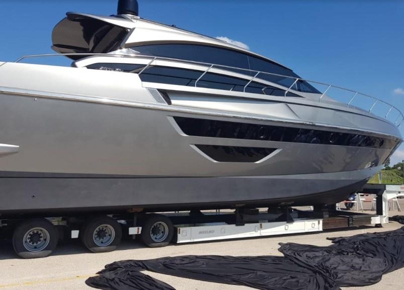 yacht-rizzardi-sabaudia-3