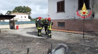 incendio-capannone-sabaudia-4