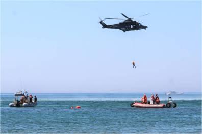 lido mare latina esercitazione militare foce verde