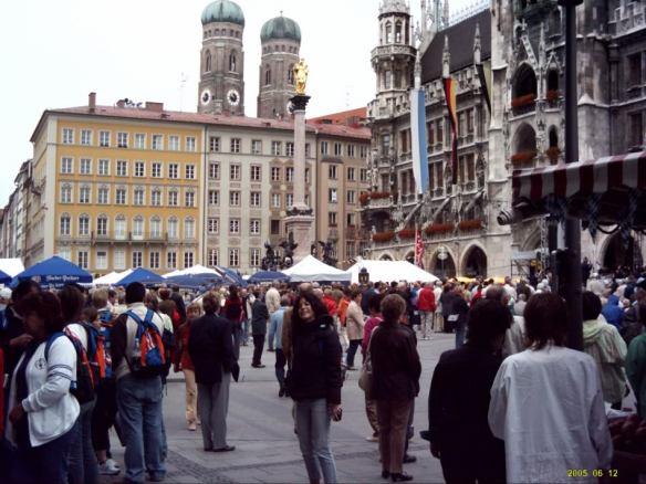 Euro Trip, Munich square