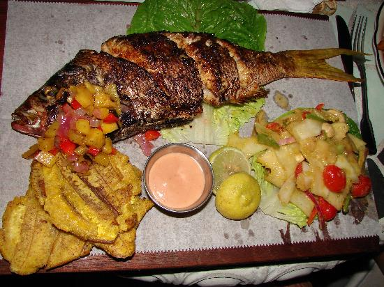 things to do in Fajardo Puerto Rico, La Estacion restaurant