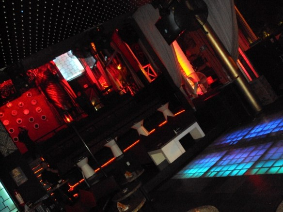 Playa Del Carmen nightclubs review, Mandala dancefloor
