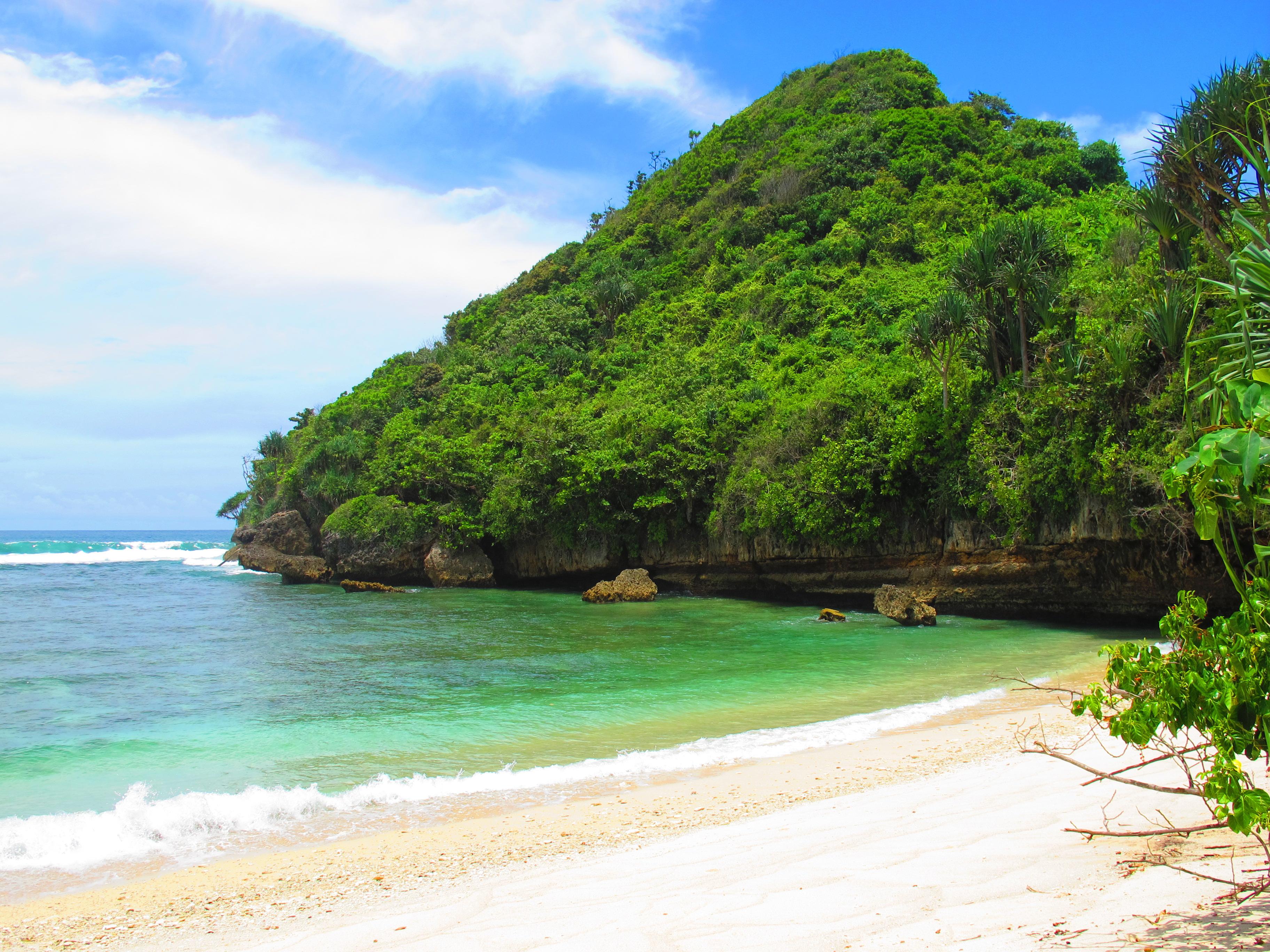 Clungup And Goa Cina Malang Beaches Photo Essay