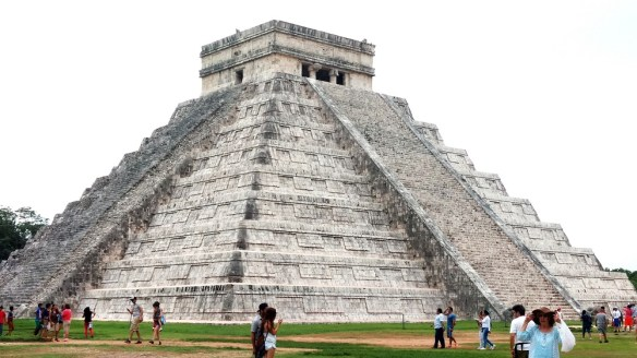 main Mayan pyramid in Chichen Itza