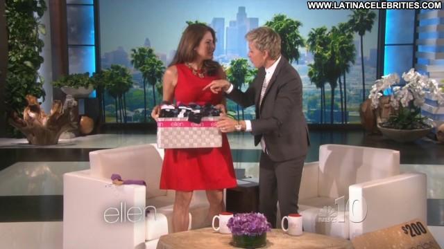 Eva Mendes Ellen The Ellen Degeneres Show Celebrity Cute Medium Tits