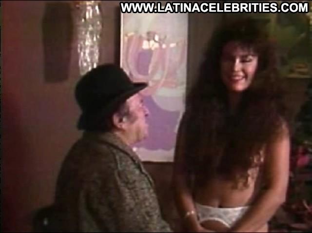 Yirah Aparicio El Sexo Me Divierte Celebrity Stunning Latina Posing