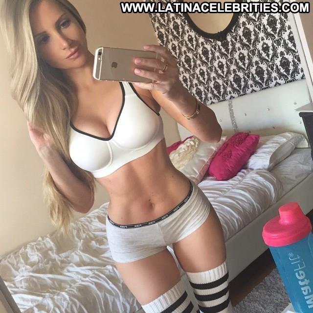 Amanda Lee F Miscellaneous Posing Hot Beautiful Doll Athletic Blonde