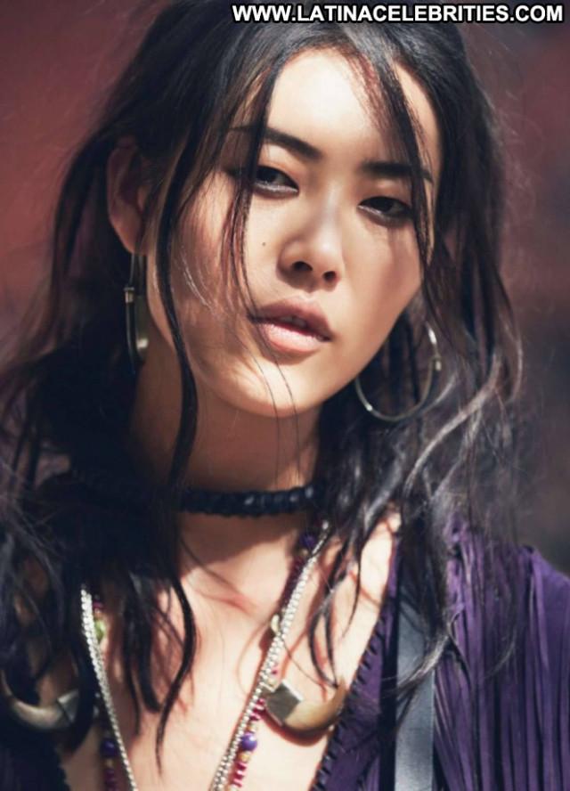 Liu Wen Elle France Beautiful Celebrity Babe France Paparazzi Posing