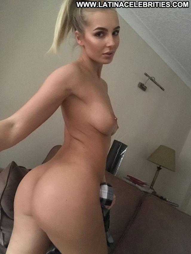 Replies No Source Sex Babe Posing Hot Toples Erotic British Sexy