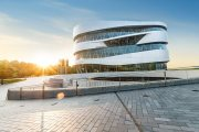 Mercedes-Benz Museum Becomes First German Automotive Museum to Accept Alipay
