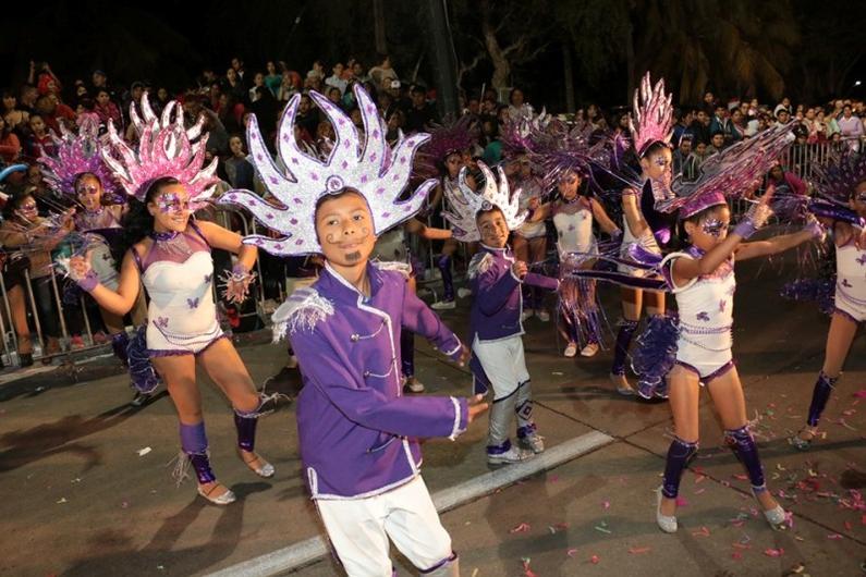 kids dancing at carnaval