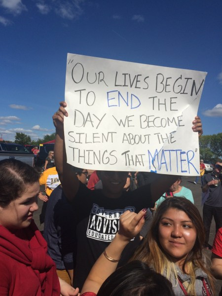 Protesters at a Trump rally at Iowa State University, September 12, 2015 (hellomissjoi/Tumblr)
