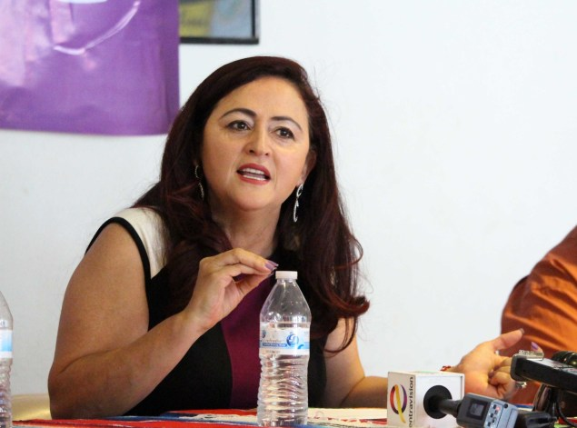 Susana Prieto Terrazas, attorney representing the Lexmark workers, speaks at a El Paso press conference. (Photo: Maria Esquinca)