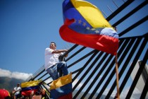 The Latest: Venezuela's Guaidó Will Meet VP Pence in Bogotá