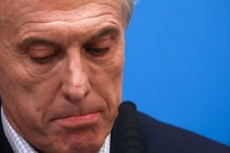 Chastened Argentine Leader Offers Help for Workers, the Poor