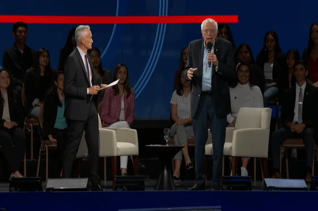 #ICYMI, Univision Held a 2020 Election Event With 8 Democratic Candidates (VIDEO)