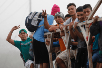 100s of Migrants Gather in Honduras to Attempt New Caravan