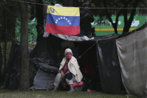 Stranded Venezuelans Build Camp in Colombia Amid Pandemic