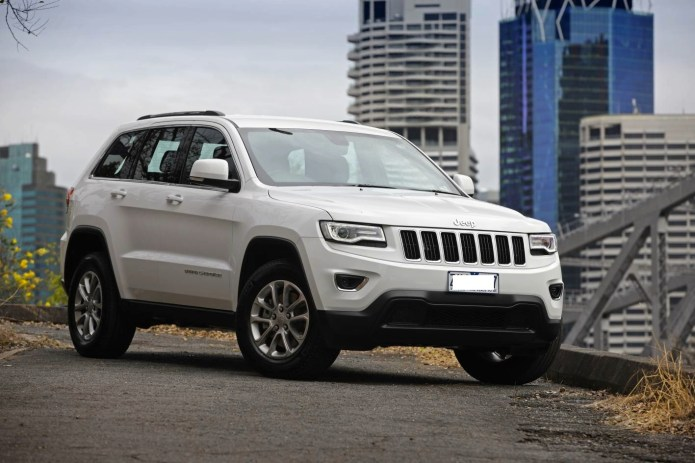 2015-Jeep-Grand-Cherokee-Laredo