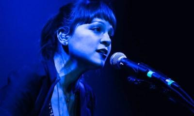 Nunca Es Suficiente faz parte do álbum Hasta La Raiz, de natalia lafourcade