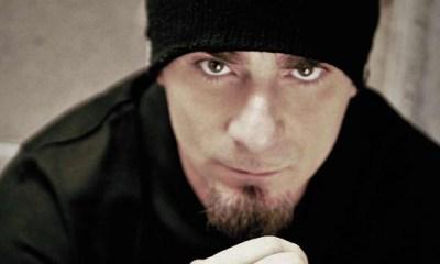 J-Ax consegue mas um sucesso do seu CD Il Bello D'Esser Brutti