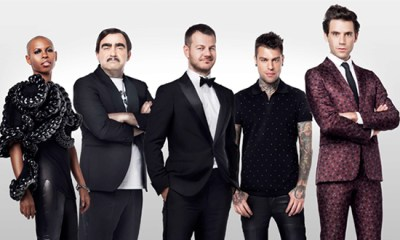 Skin, Elio, Fedez e Mika são os jurados da nona edição do X Factor Itália. Alessandro Cattelan apresenta