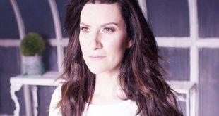 Laura Pausini estreia videoclipe de Sono Solo Nuvole