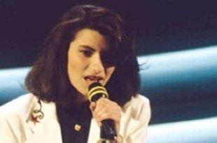 Strani Amori marcou a segunda passagem de Laura Pausini pelo Festival de Sanremo, em 1994