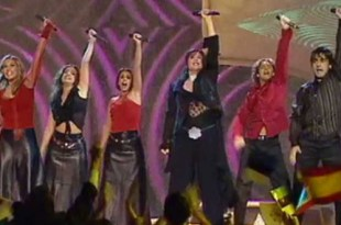 Rosa representou a Espanha no Eurovision 2002 com Europe's Living a Celebration