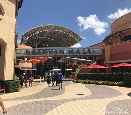 Dolphin Mall Outlets de Miami