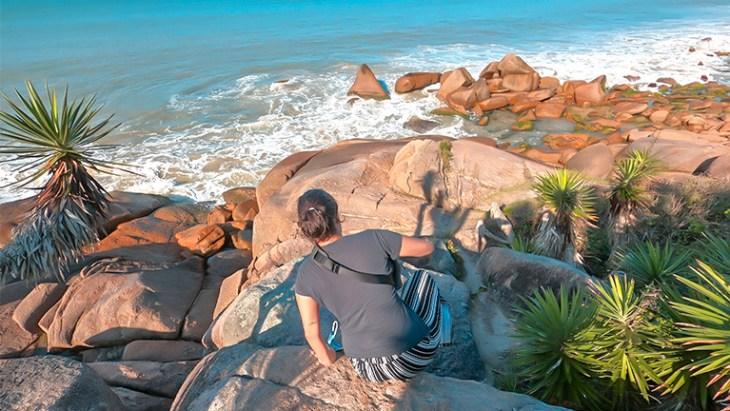 pedras - trilha da praia da pinheira