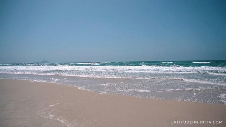 o que fazer em floripa: praia do moçambique
