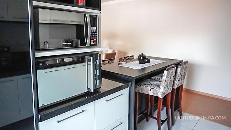 cozinha airbnb vale dos vinhedos