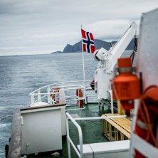 Birdwatching Gjesværstappan-Christian Roth Christensen - VisitNorway
