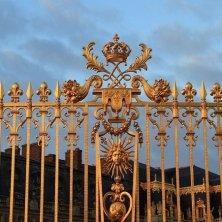 cancellata con i simboli Luigi XIV