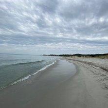 spiaggia lontana sa petra ruja