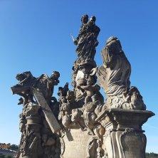 gruppo statue Ponte Carlo